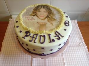 Tarta Fondant de Violeta para cumpleaños